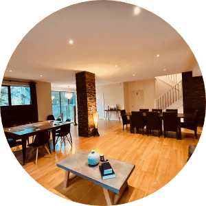 Dining area with chairs and tables of hills & ranges private